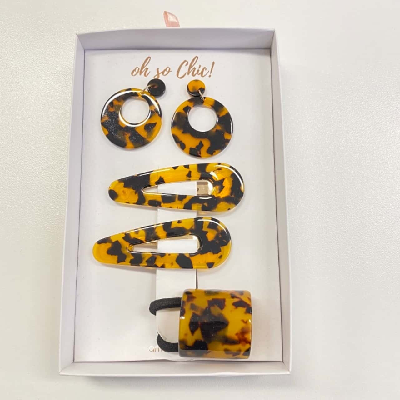 Amber Rose, Oh So Chic! Women's Earrings & Hair Clips/Band Leopard Print