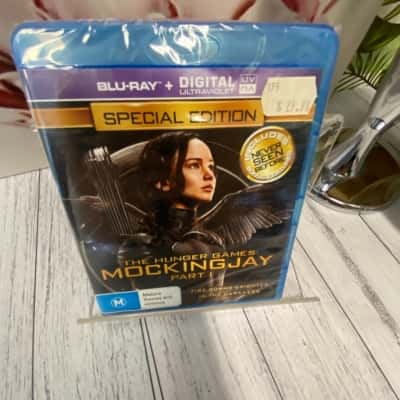 BlueRay DVD The Hunger Games Mockingjay Part 1 Brand New