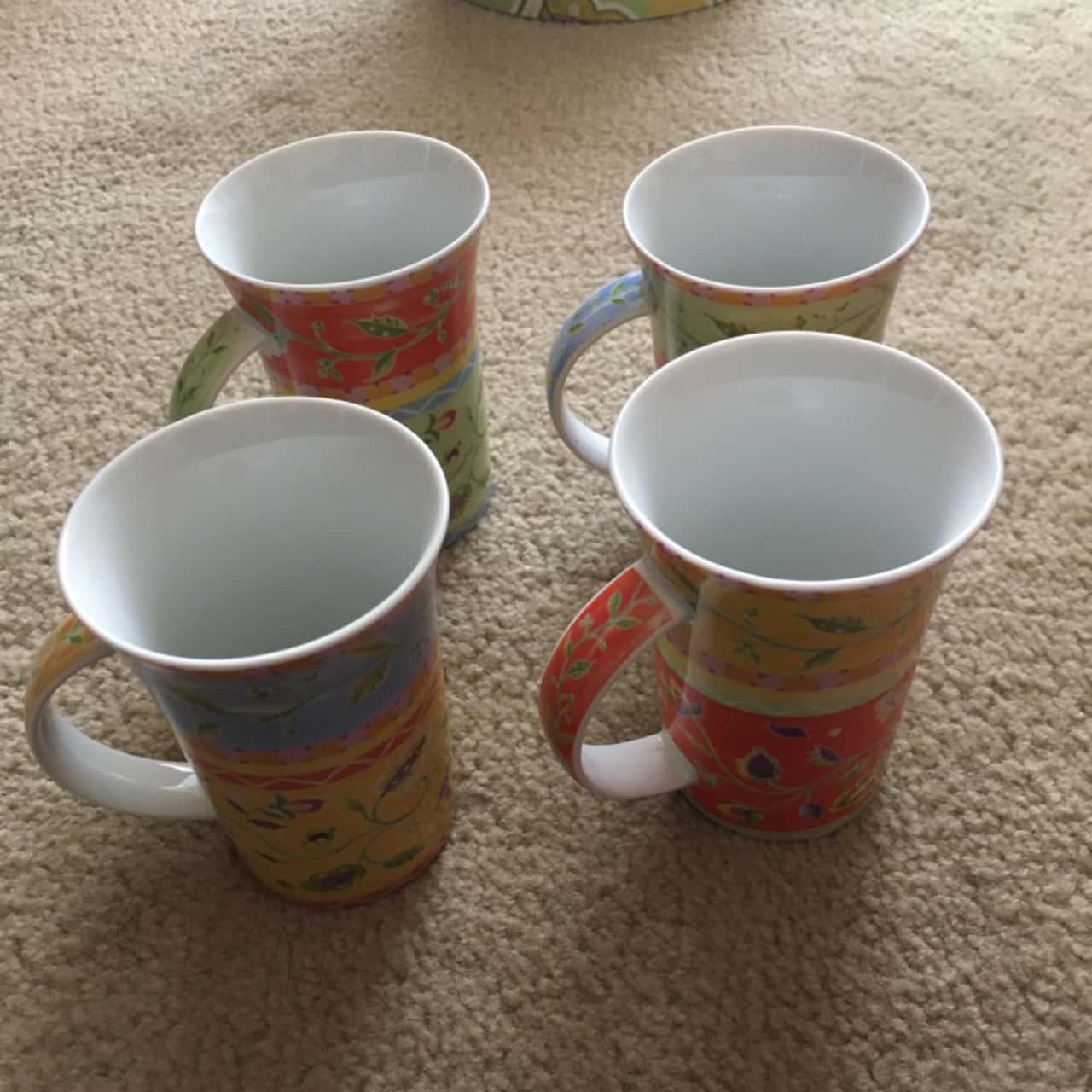 Maxwell & Williams Gift Set of 4 Mugs - Brand New