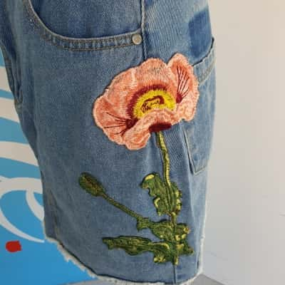 INFLUENCE - DENIM SKIRT WITH FLORAL DETAIL Womens 10