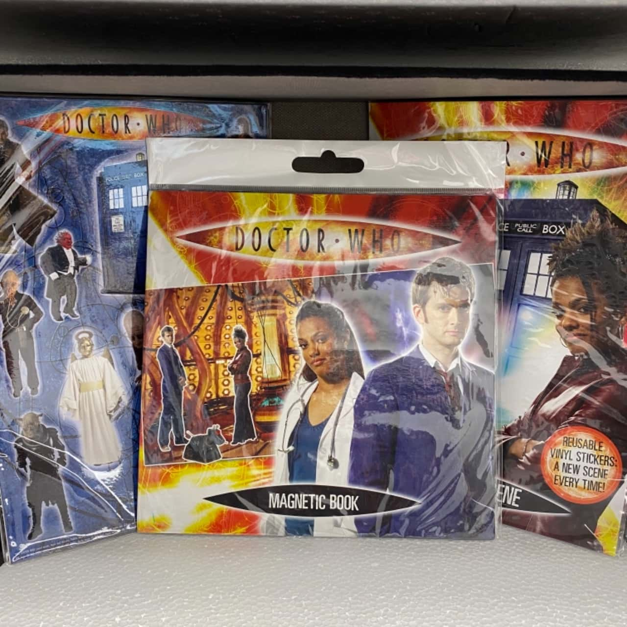 Dr Who Magnet Book, Magnet Set and Scene with reusable vinyl stickers