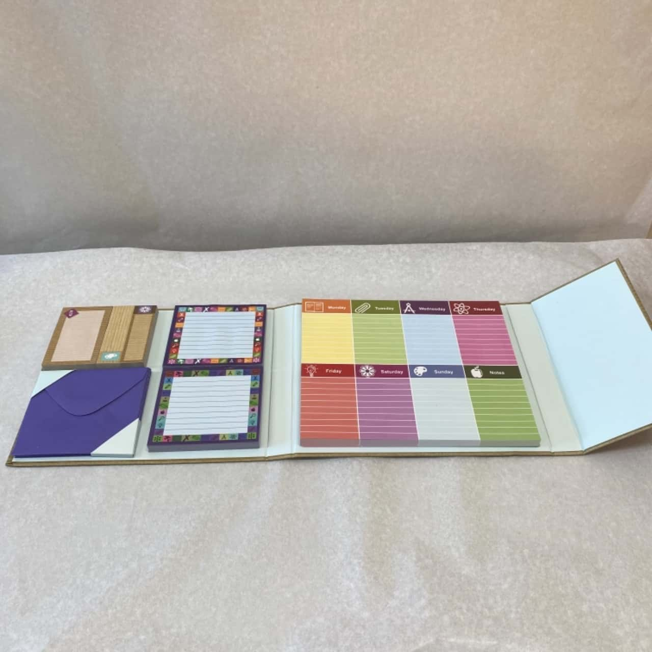 Desk Weekly Organizer and Notes - New in Package