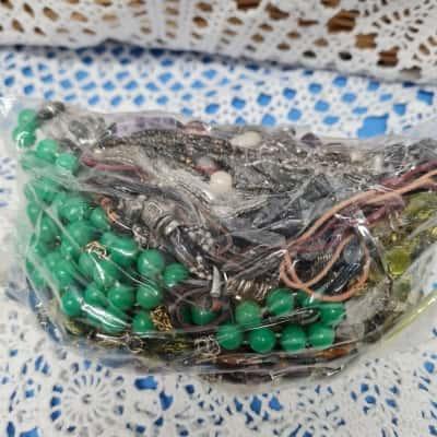 Assorted bag of jewellery
