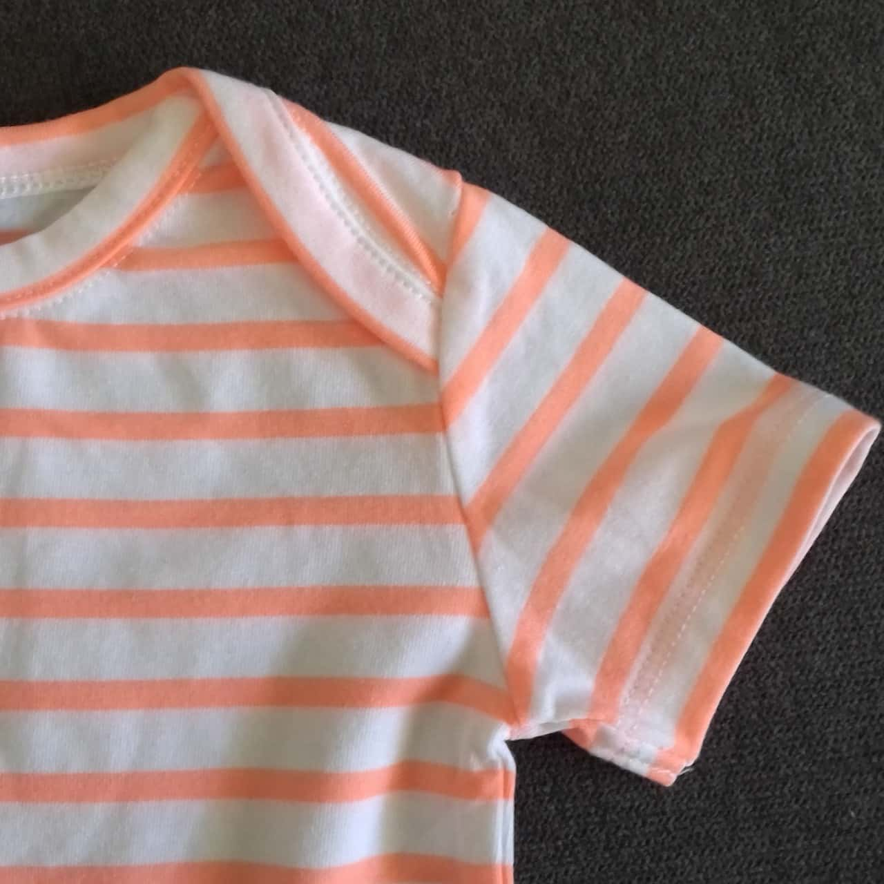BNWT Baby BONDS T SHIRT Size 00  Orange/White