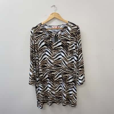 ** REDUCED ** Millers Women's Size 18 Animal Print 3/4 Sleeve Top - New With Tags