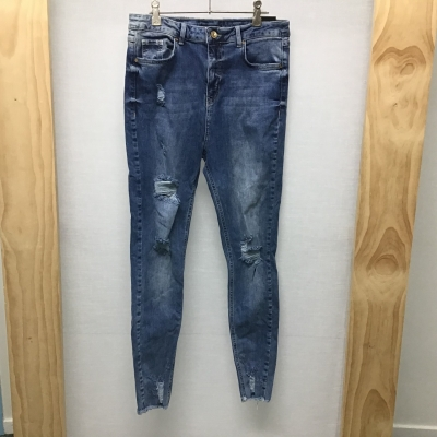 """Missguided, """"Sinner"""" distressed jeans, Size 10 - 12, NWT"""
