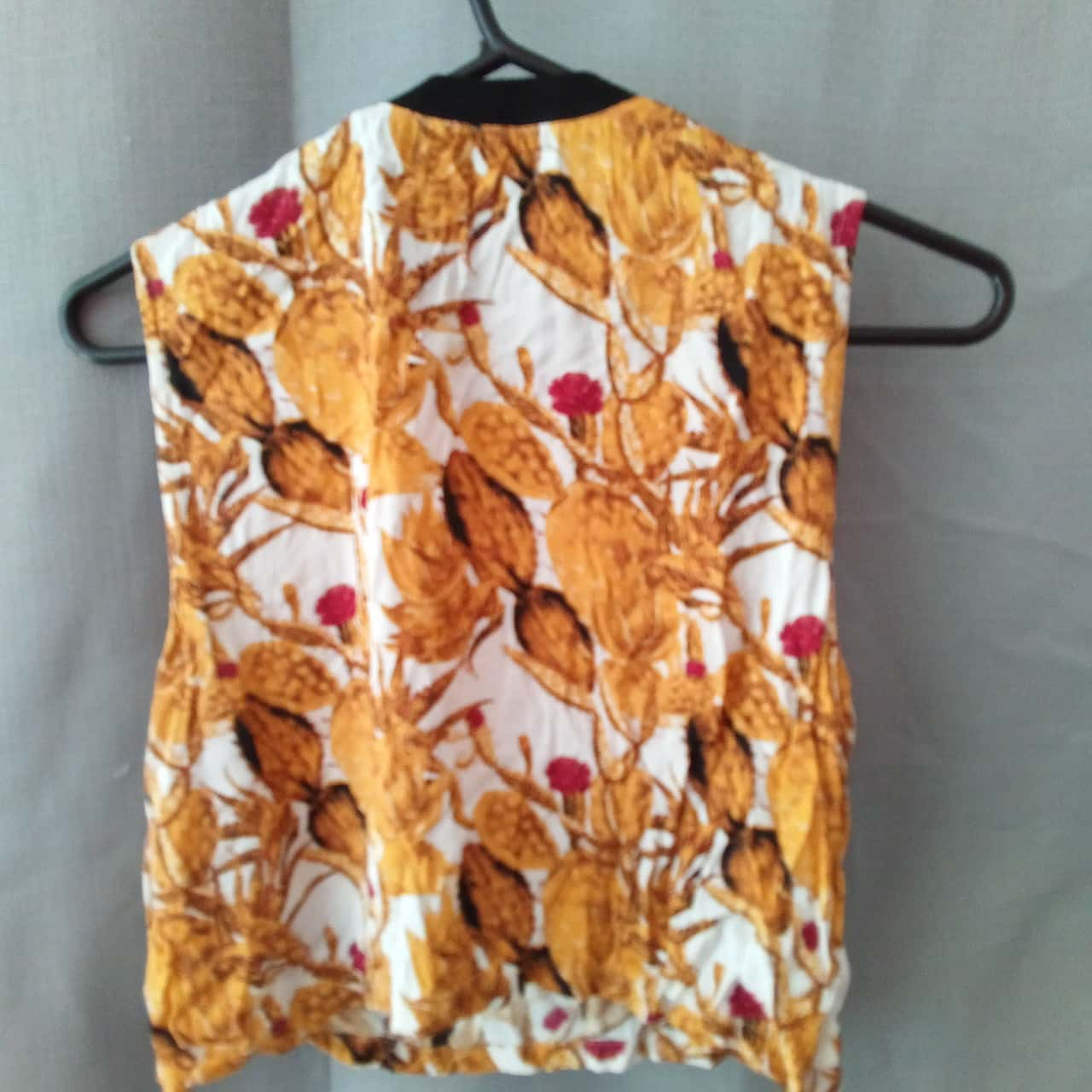 Evil Twin Ladies White with Mustard Floral Top Size XS NWOT