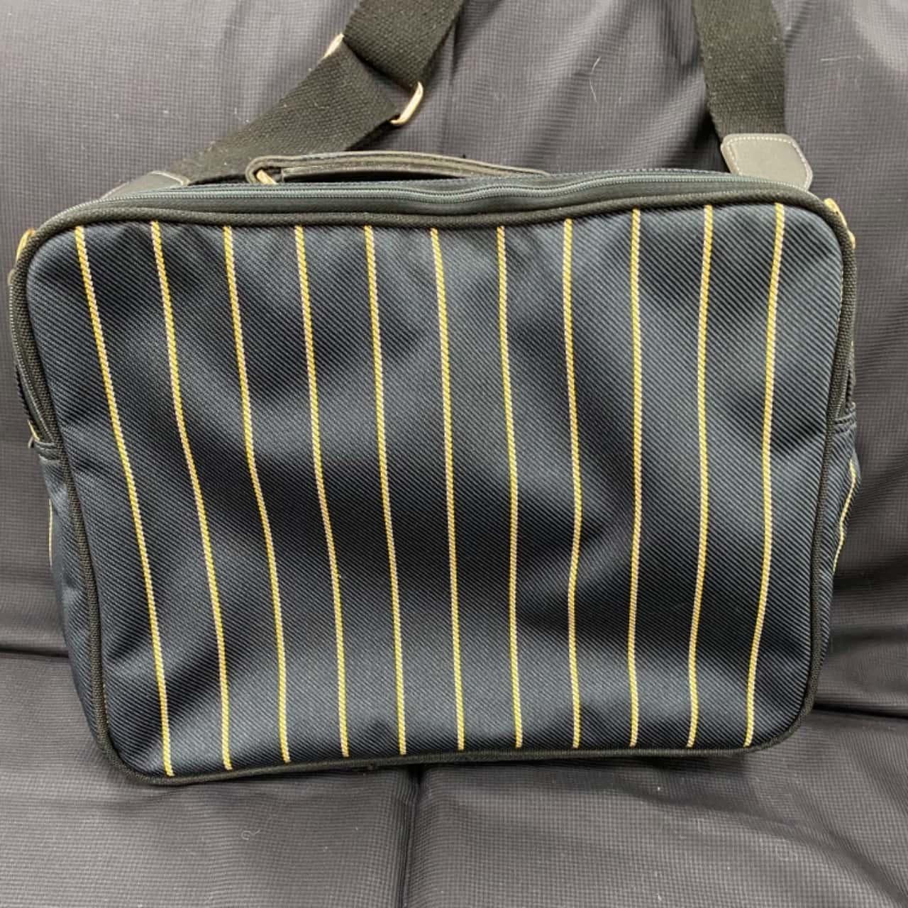 BOND ST BY ANTLER TRAVEL BAG 40cm w x 30cm h x 20cm deep (inside)
