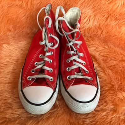 Chuck Taylor Converse Mens High Top  US Size 6 Red/White