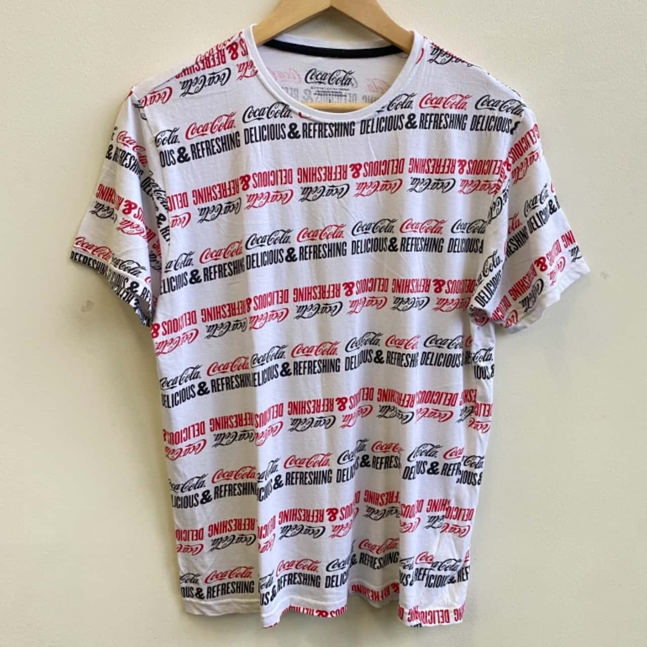 Coca Cola Mens Delicious & Refreshing Repeat Print T-shirt Size S