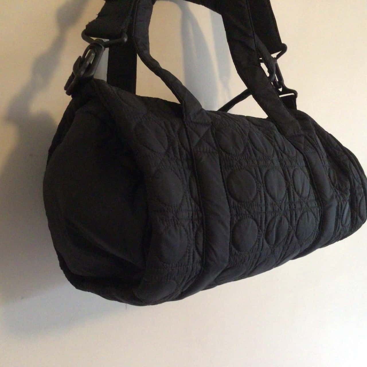 Lorna Jane Womens Black  Barrel Sports Bag 35 cm w 23 cm diameter