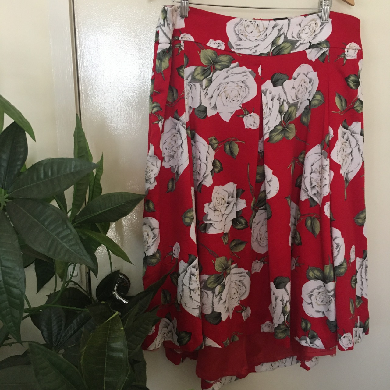 Taking Shape Womens  Size 16 Midi Floral/Red/Green Skirt BNWT