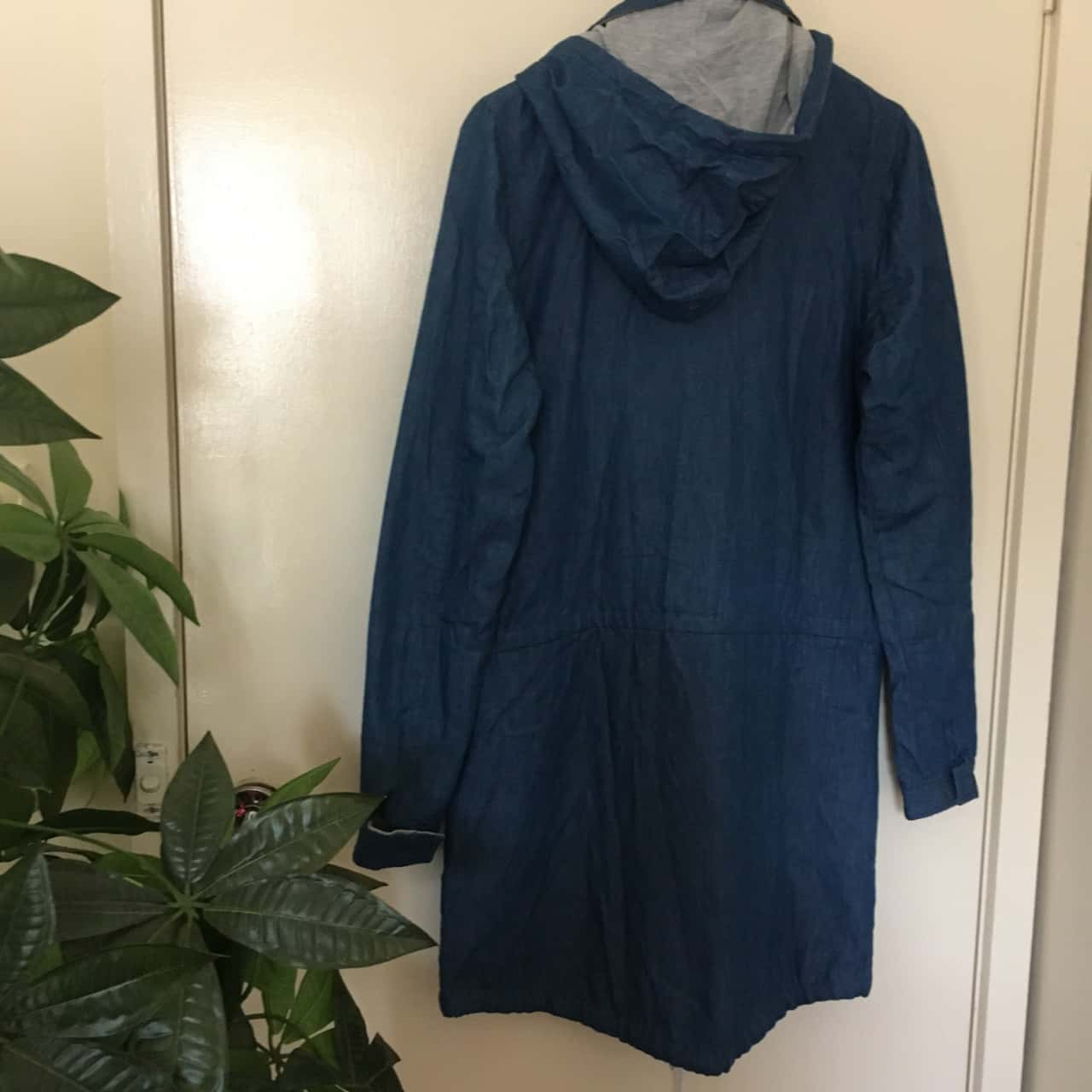 The Academee Brand Womens  Size XS Blue Hooded Coat/ Parka BNWT