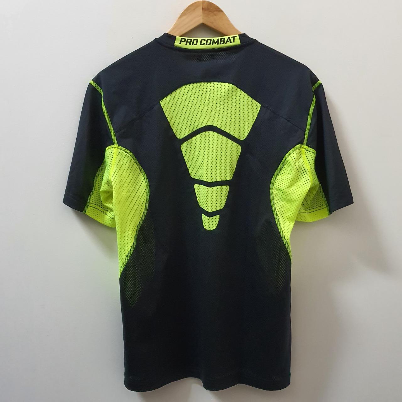 Men's 'Nike' Sports Top - Size M