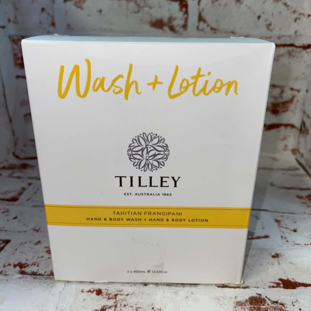 Tillys wash and lotion 2x400ml Tahitian frangipani fragrance