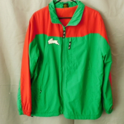 Official NRL Supporters Mens Rabbitohs Fleecy Lined Jacket with Enclosed Hood Size L UAN