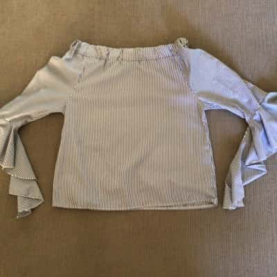 NWOT Womens PIANO OFF SHOULDER TOP  Size M Shirts & Blouses Blue/White