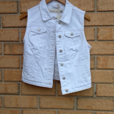 BNWT JUST JEANS Womens  Short sleeve Denim Jacket size 10 White