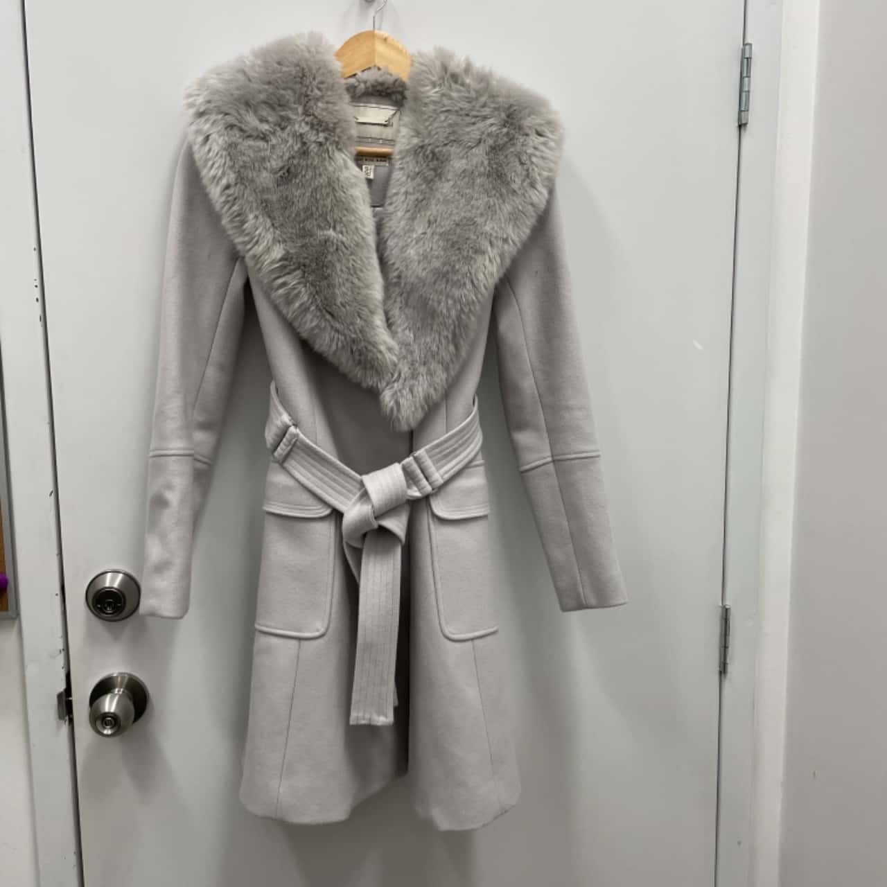 Forever New Womens Faux Fur Collar Coat Size 6 Grey