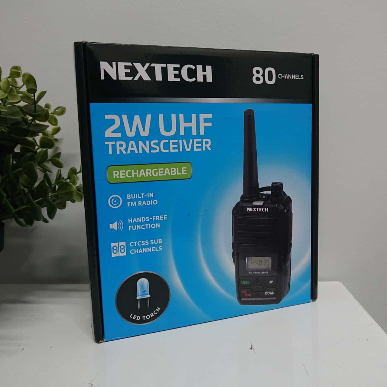 NEW Nextech 2W UHF Radio Transceiver with FM & LED Torch