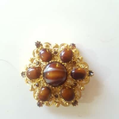 Womens RETRO vintage brooch with fault