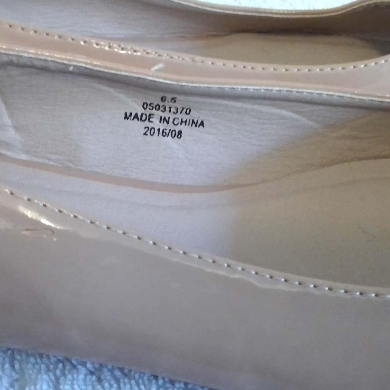 Womens ASOS FLAT COURT SHOES   Size 9.5 Tan