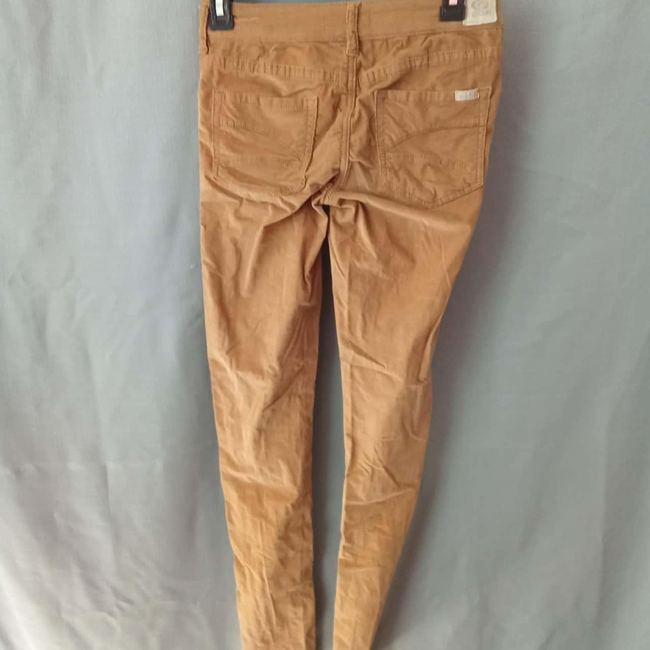 Ripcurl Ladies Beige Pants Size 6 UAF