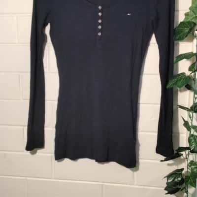 Tommy Hilfiger Womens  Size XL Long Sleeve  Navy Blue TShirt