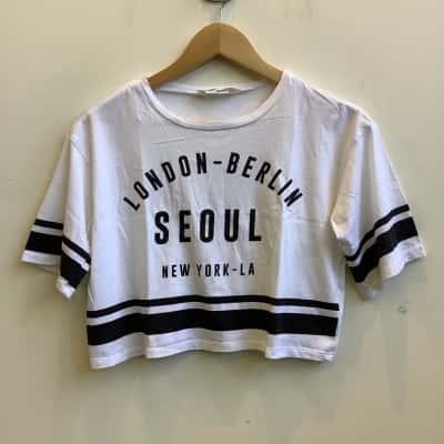 "H&M Girls  Size 11/12 Yrs ""London-Berlin Seoul New York-LA  White T-Shirt"