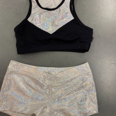 Girls ENERGETICS 2PCE GYMNASTICS/CHEERLEADING /DANCE  Size 10-11 yearsBlack /Multicoloured/Silver