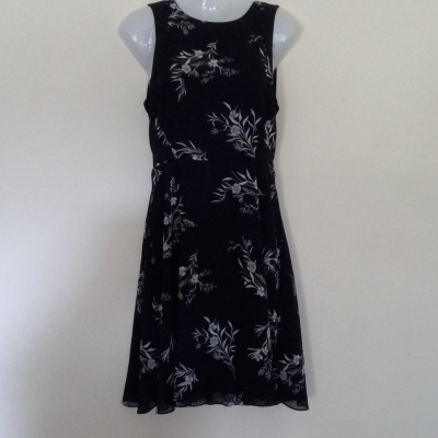 BNWT Womens  BASQUE SUMMER DRESS  Size 8 Black /Floral RRP $129.95 Good Corporate. dress