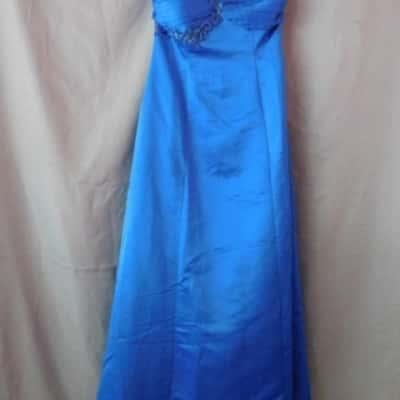 ****EOFYS**** Miss Anne Blue One Off The Shoulder Floral Embellishment Size M (UAN)