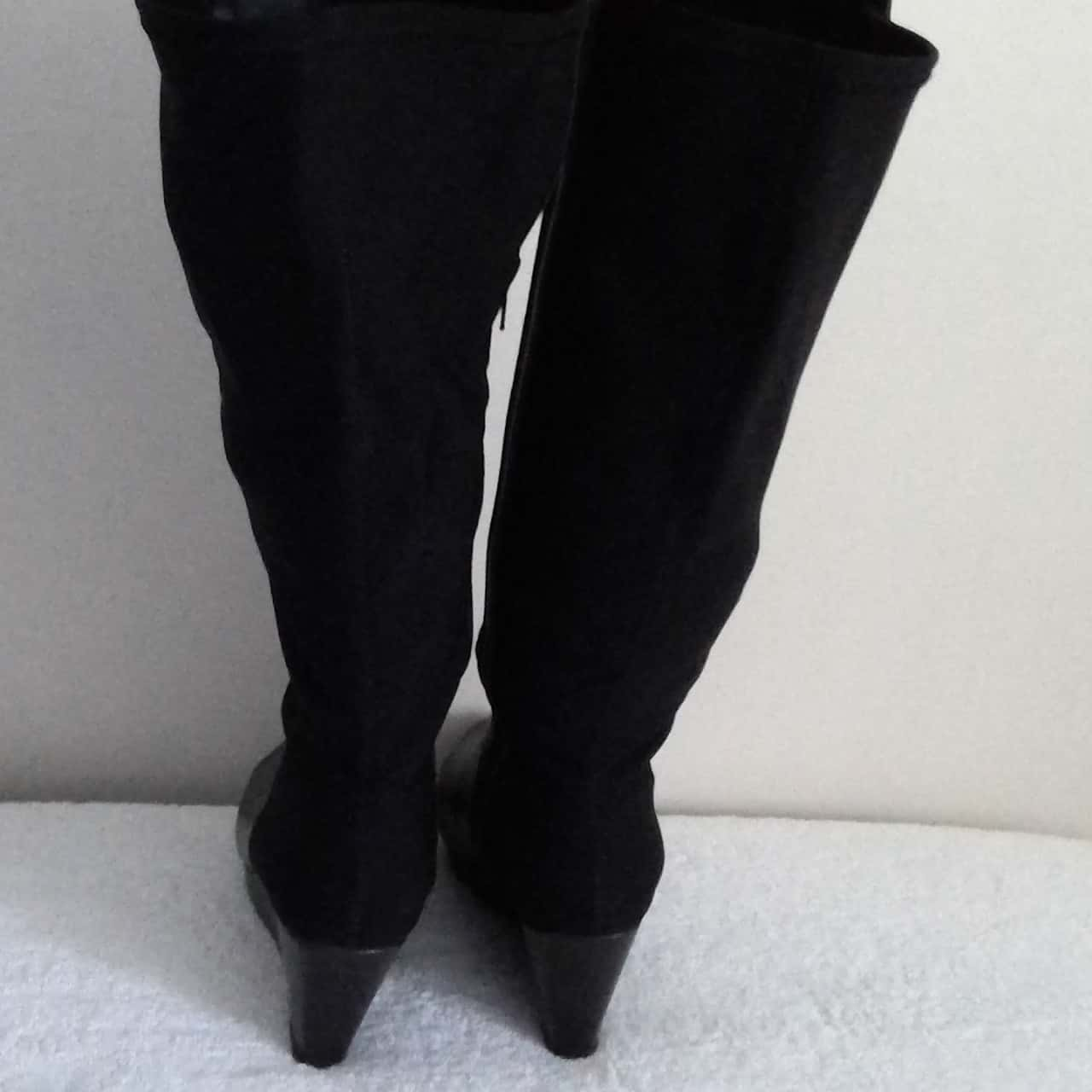 Womens  CITY CHIC KNEE HI WEDGE HEEL BOOTS Size 80 (label size 38) Black Leather