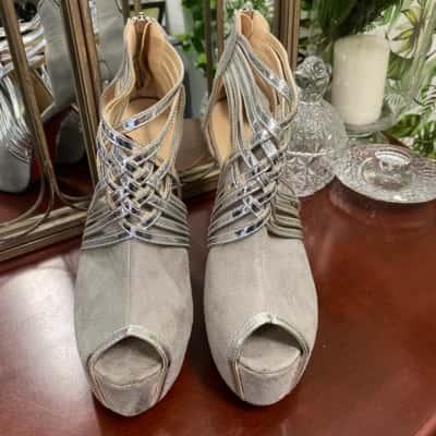 Fereshte Women's Stiletto Heels  Size 44 Grey/Silver