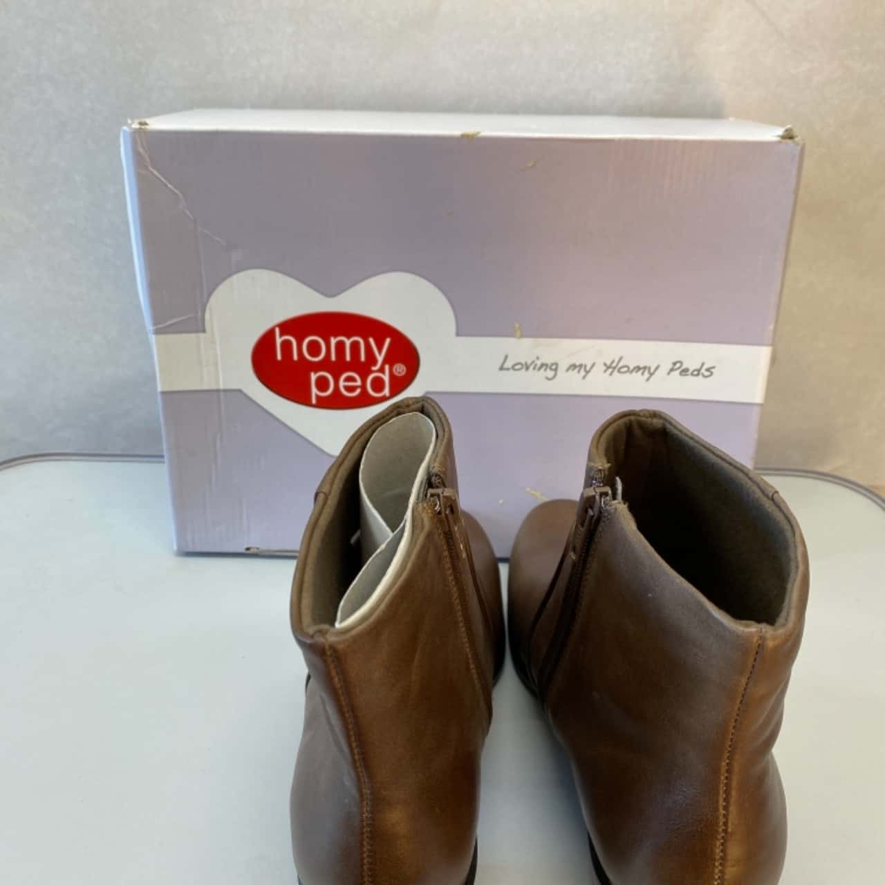 Women's  Homy Pede Size 7.5 Olive Leather Ankle Boots - New in Box