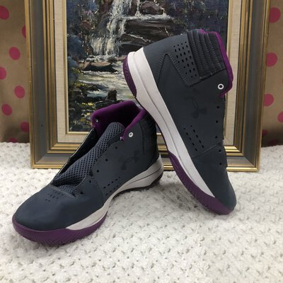 Under Armour Kids Shoes Size: 7Y Grey And Purple