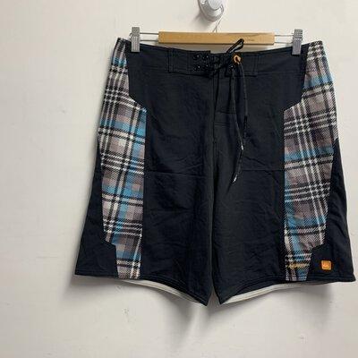 Quiksilver Men's Shorts Size 32 Multicolored