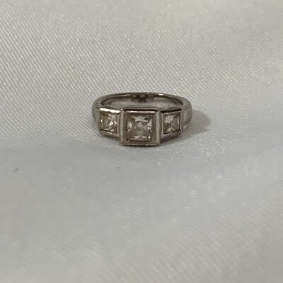 ENVY Stamped Silver Ring With 3 Graduated Square White Zirconias