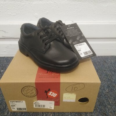 Kids Black Leather Shoes Thomas Cook Size 10 PU Sole New in Box With Tags