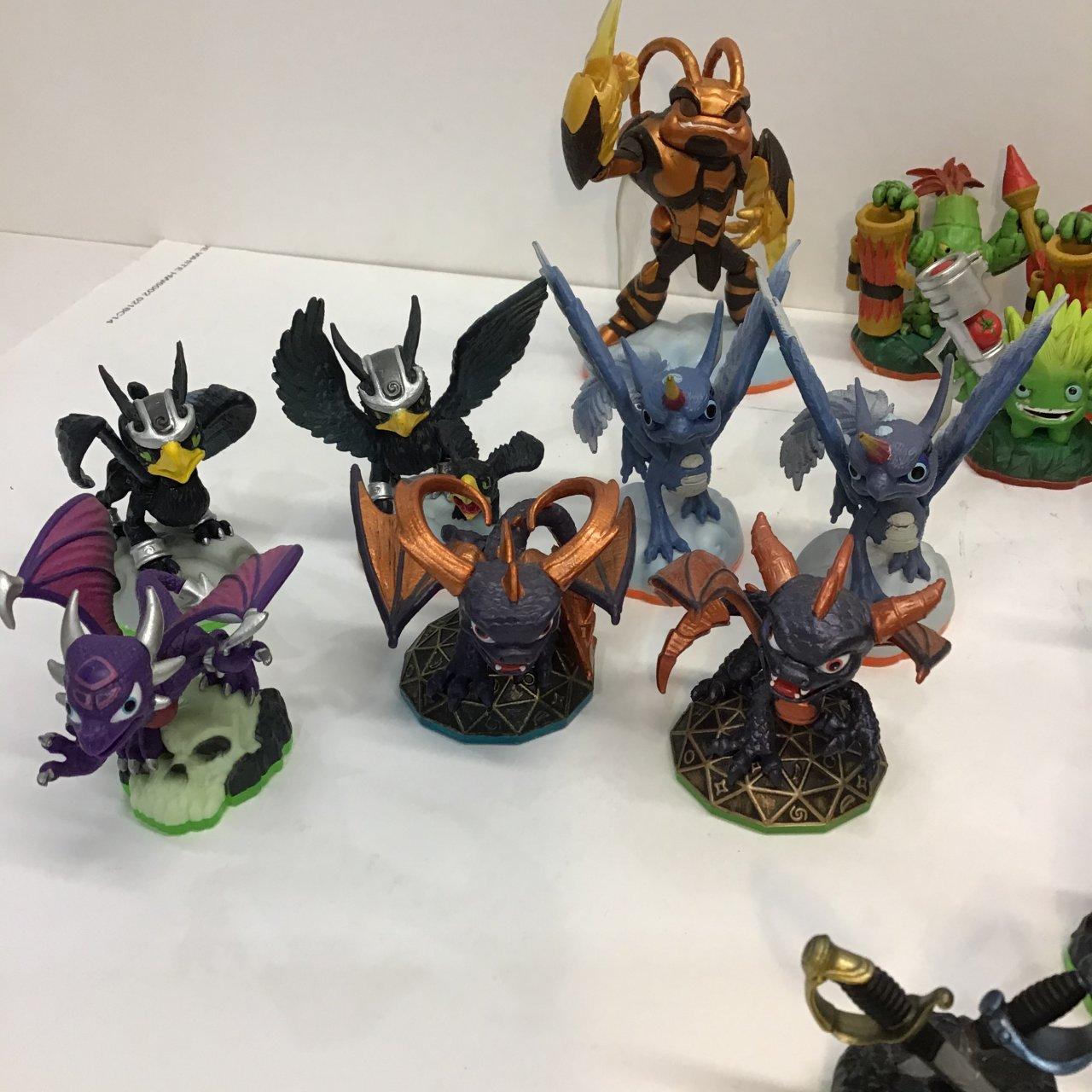 Skylanders Bulk Figure Set 31 Pieces