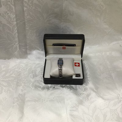 *CLEARANCE* Montre Suisse Ladies Watch