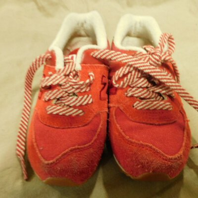 New Balance Children's Red Runners Size 8½ (UAN)