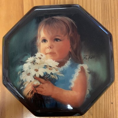 For you music box by Donald Zolin music is Mozarts lullaby 1990