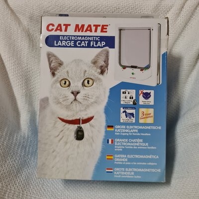 Cat Mate Electromagnetic Large Cat Flap, White in colour