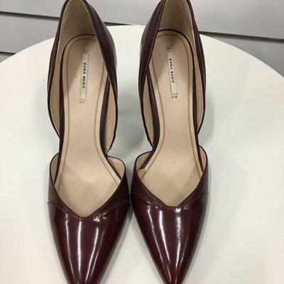 Zara Basic Burgandy Stilletto Size 41  Heel Height 100cm